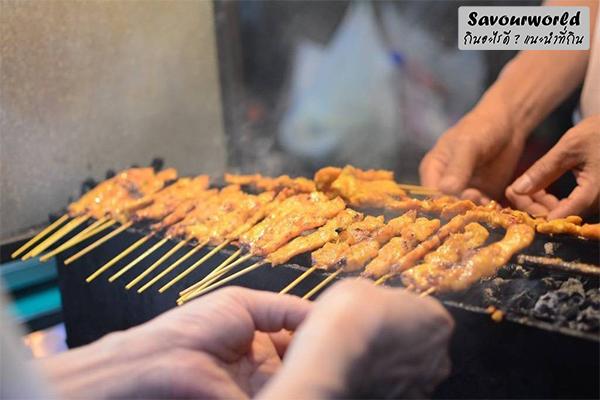 แนะนำร้านอาหารริมทางสุดอร่อย ที่คิวยาวแค่ไหนก็ต้องรอ กินอะไรดี เมนูอาหาร ร้านอาหารอร่อย Nightlife รีวิวคาเฟ่ ร้านอาหาร-คาเฟ่ ที่กิน-ที่พัก แนะนำร้านอาหาร อาหาร-สุขภาพ savourworld.com ร้านอาหารคิวยาว