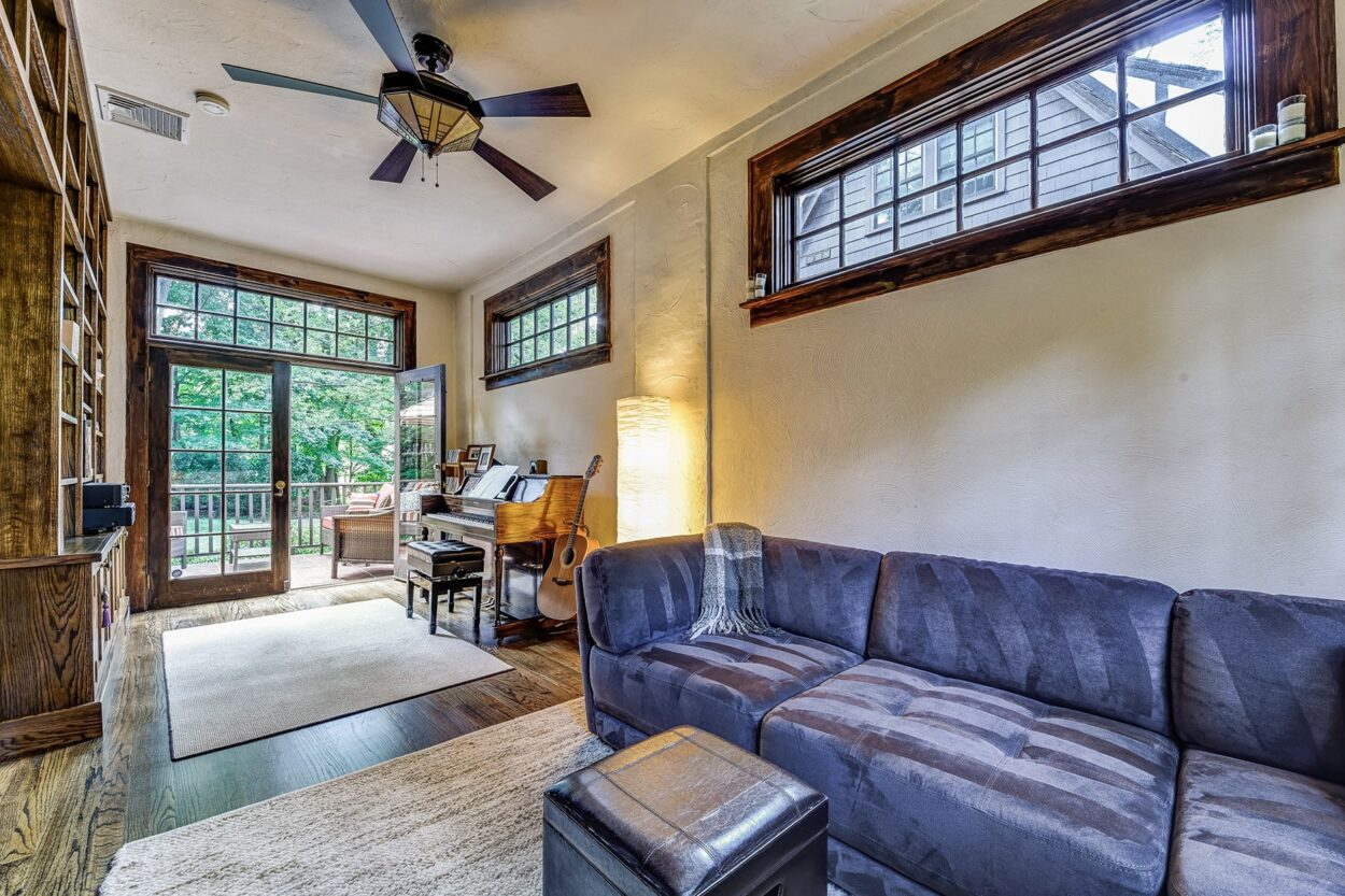 34 Oakland Road Maplewood NJ living room
