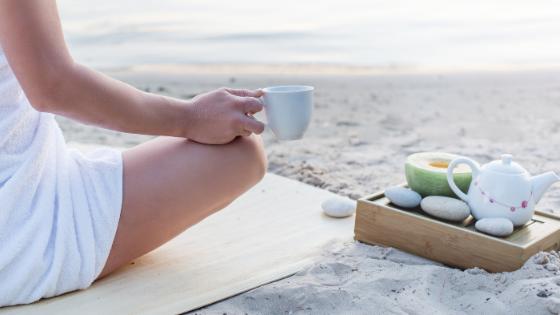 caregiving-tips-alzheimers-woman-on-beach