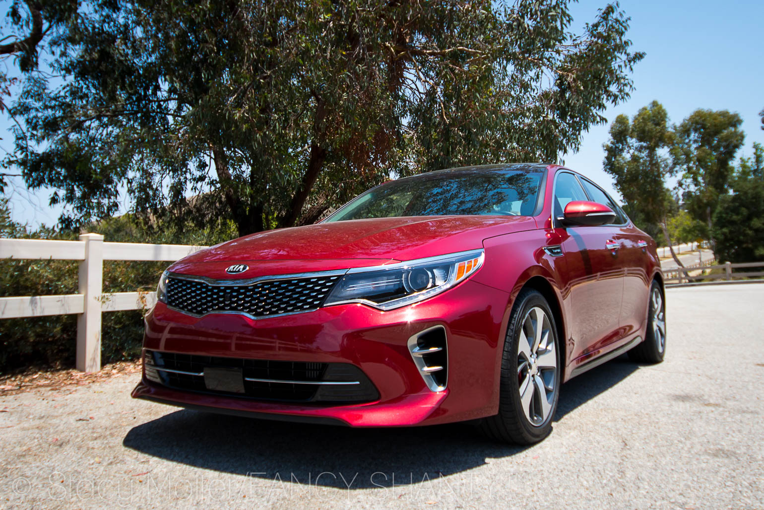Kia Optima SX Turbo Features