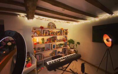 Elfin Bow Return To Pick n' Mix Online Artist Showcase