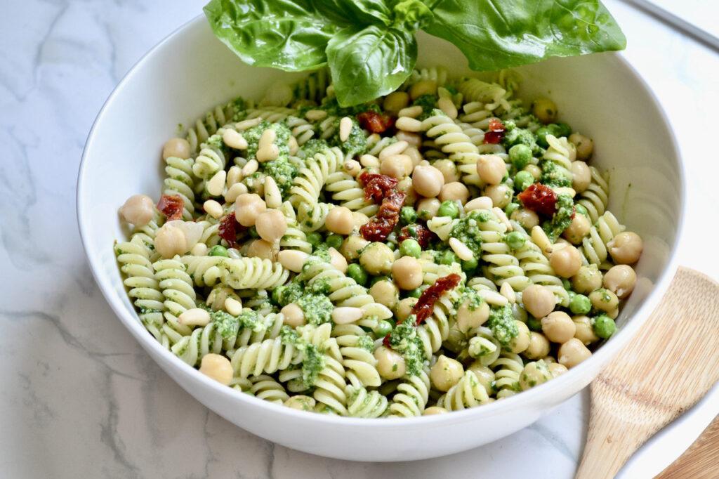 pesto pasta peas and chickpeas