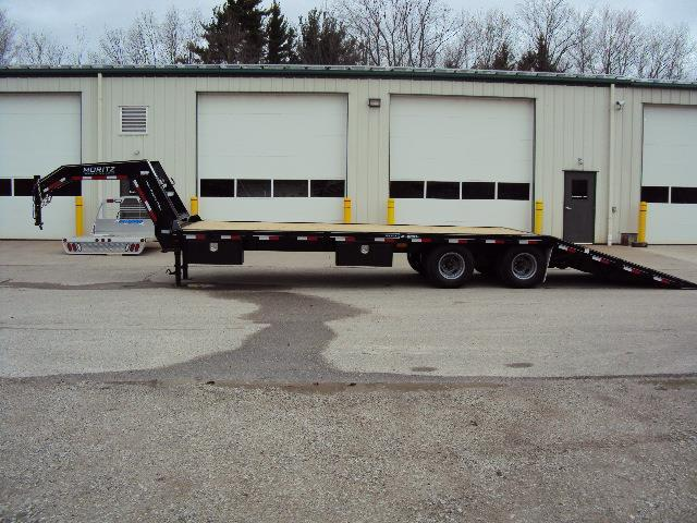 FH + 10 Series Flatbed Trailer with Hydraulic Tail