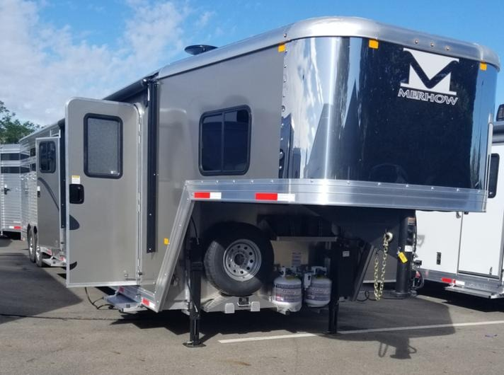 Mehow Living Quarters Trailer store