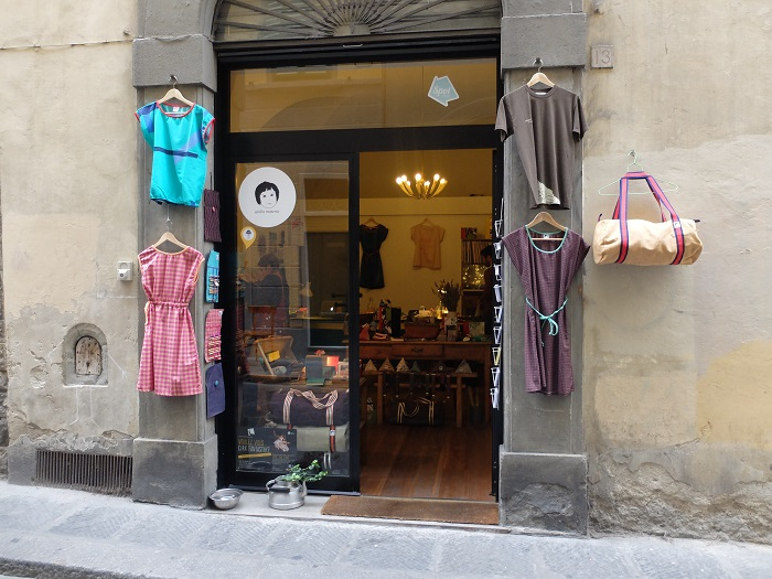 Living in the oltrarno means I can shop at places like this daily!