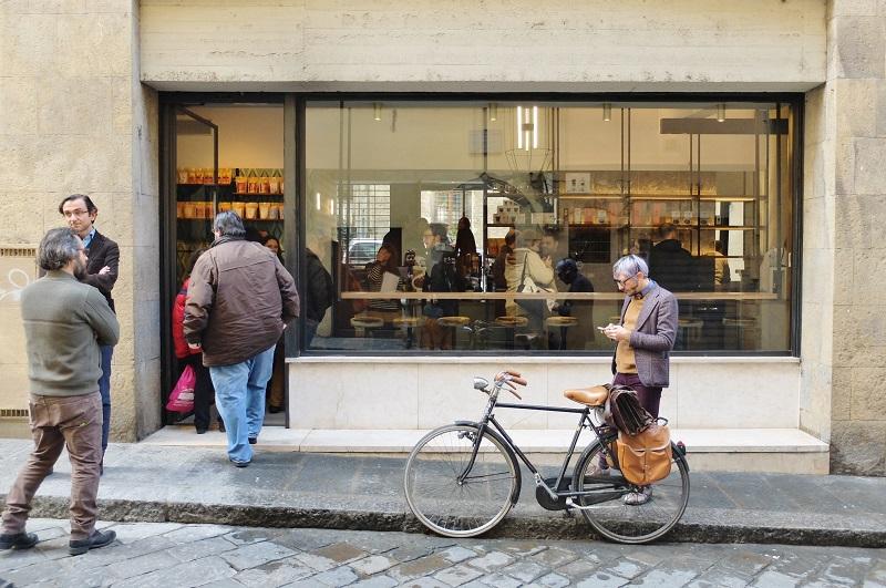 Outside of the brand new Ditta Artigianale Oltrarno on via dello sprone 5r. Hipsters welcome