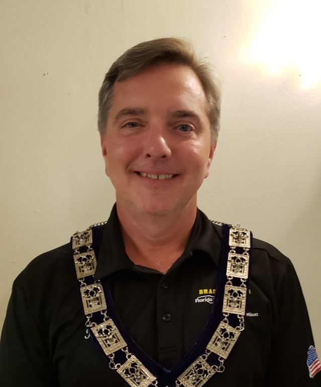 Dr Tom Farrell
