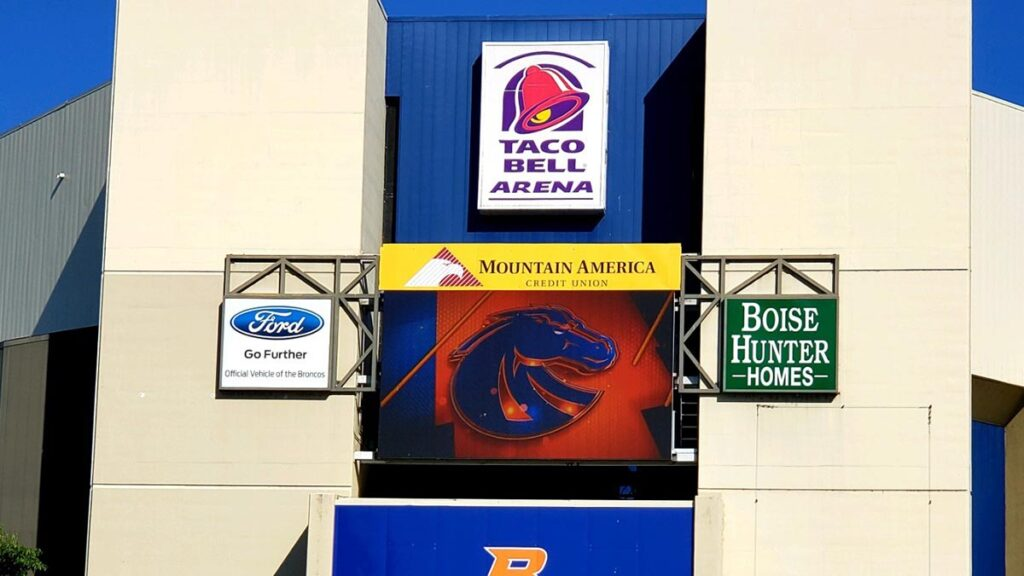 Boise-State-Football-05