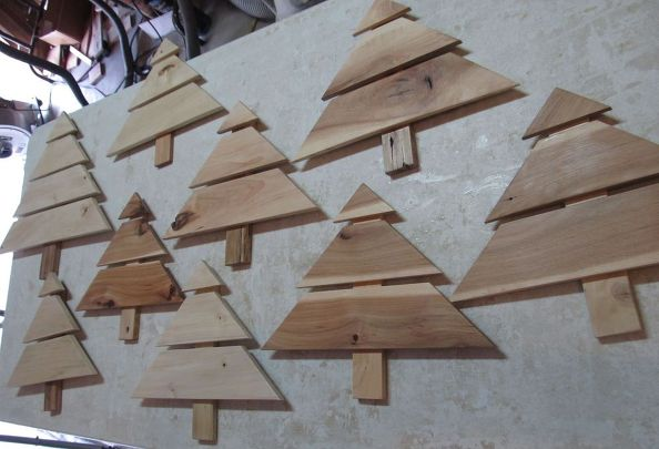 christmas-tree-art-craft-from-ht-pallets-ready-for-designs-christmas-decorations-crafts-pallet
