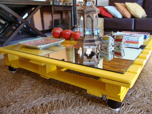wooden-crate-coffee-table