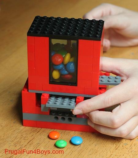 candydispenser-lego