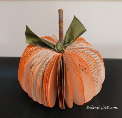 book-page-pumpkin-034-400x388