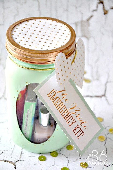 Mason-Jar-Crafts-The-Bride-Emergency-Kit