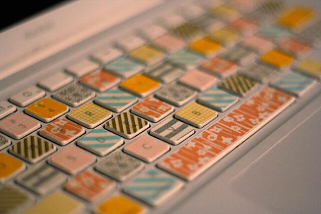 1-16-12washi-tape-keyboard