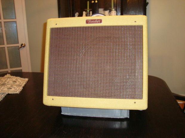 DIY Guitar Amp Stand