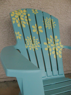 Spray Paint and Stencil a Plastic Adirondack Chair