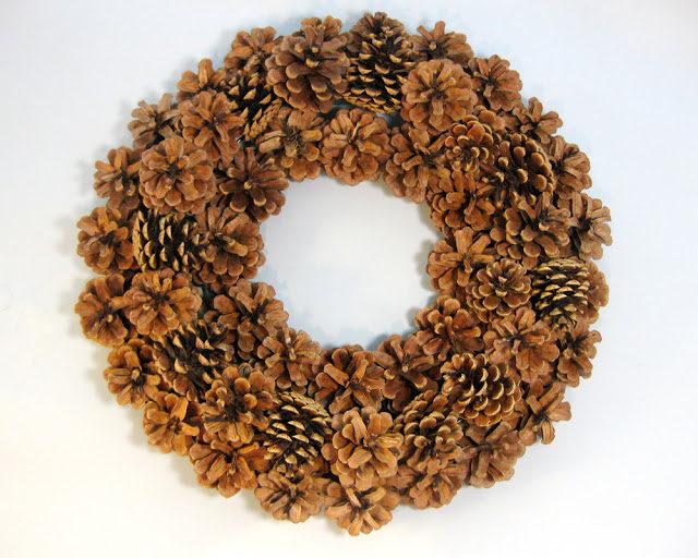 pinecone-wreath
