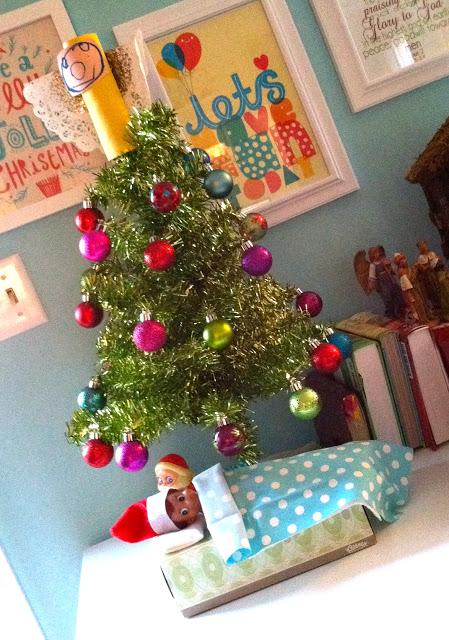 christmas-tree-elf