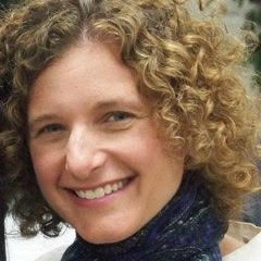 Rabbi/Cantor Diane Rose