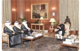 السيد رئيس جمهورية الهند مستقبلا الوفد الدبلوماسي الكويت