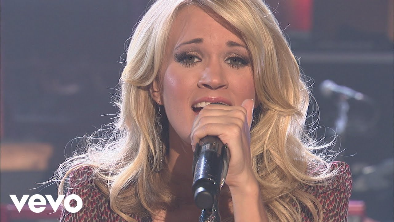 #TBT Carrie Underwood Performs Jesus Take The Wheel at Walmart Soundcheck (2009)