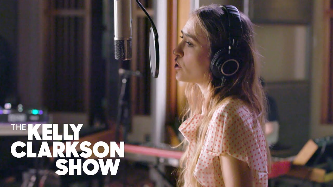 Watch Lauren Daigle Perform Rescue on The Kelly Clarkson Show