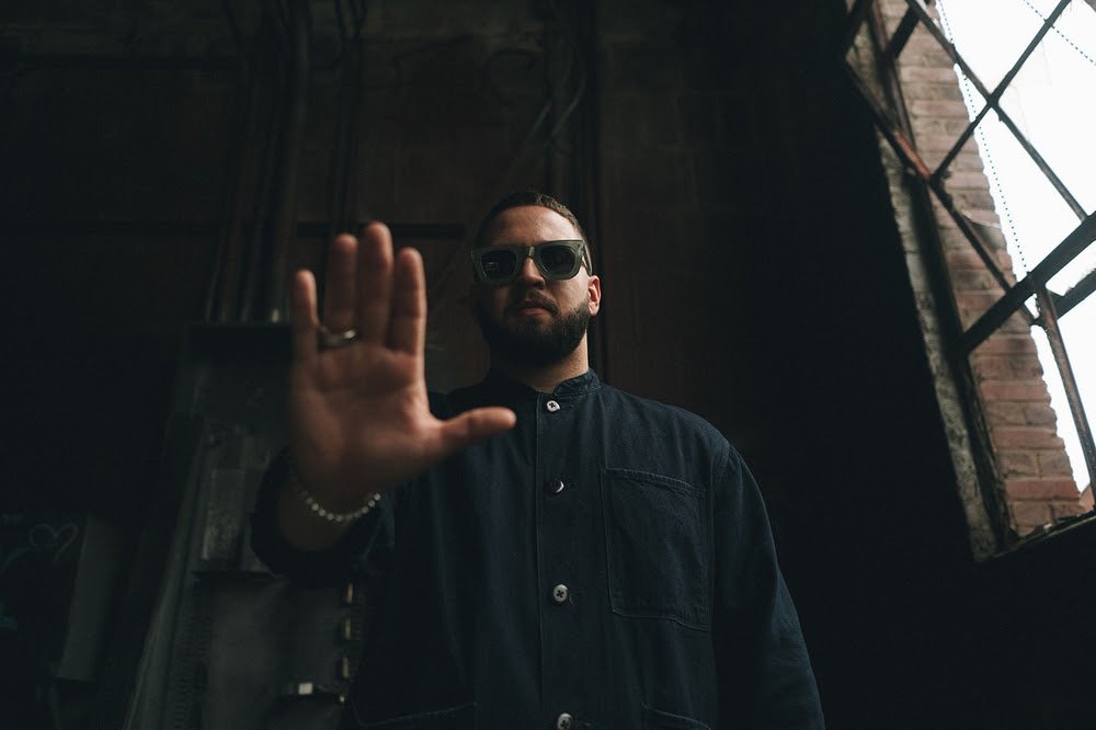 Andy Mineo Releases Happy Thoughts