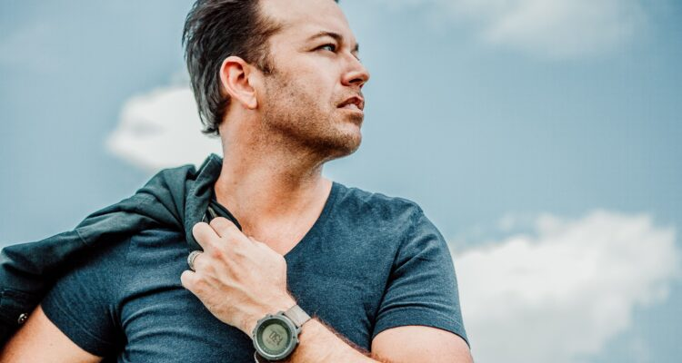 Lucas Hoge's New Sunday Sessions Album Available Now - New Releases - 1/22/21