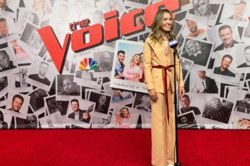 Lauren Daigle Performs Hold On To Me on The Voice Finale