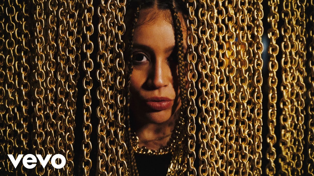 Video: Angie Rose - 7 Gold Chains