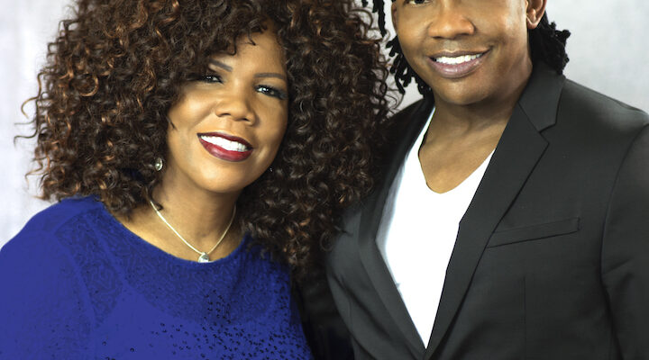 CELEBRATED SIBLINGS LYNDA RANDLE AND MICHAEL TAIT REUNITE FOR POPULAR 'TOGETHER FOR CHRISTMAS' TOUR