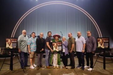 """LAUREN DAIGLE PRESENTED WITH PLAQUE HONORING SIXTH NO. 1 SINGLE """"HOLD ON TO ME"""""""