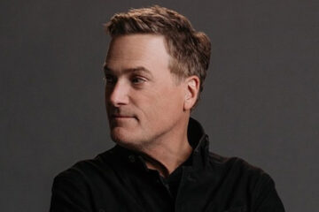 Michael W. Smith details the rock bottom moment that led him out of drugs and into lifelong ministry