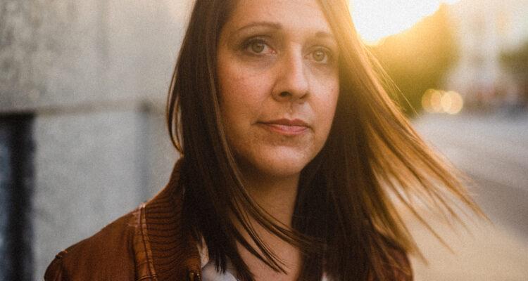 Allie Crummy Announces Third Album Honesty