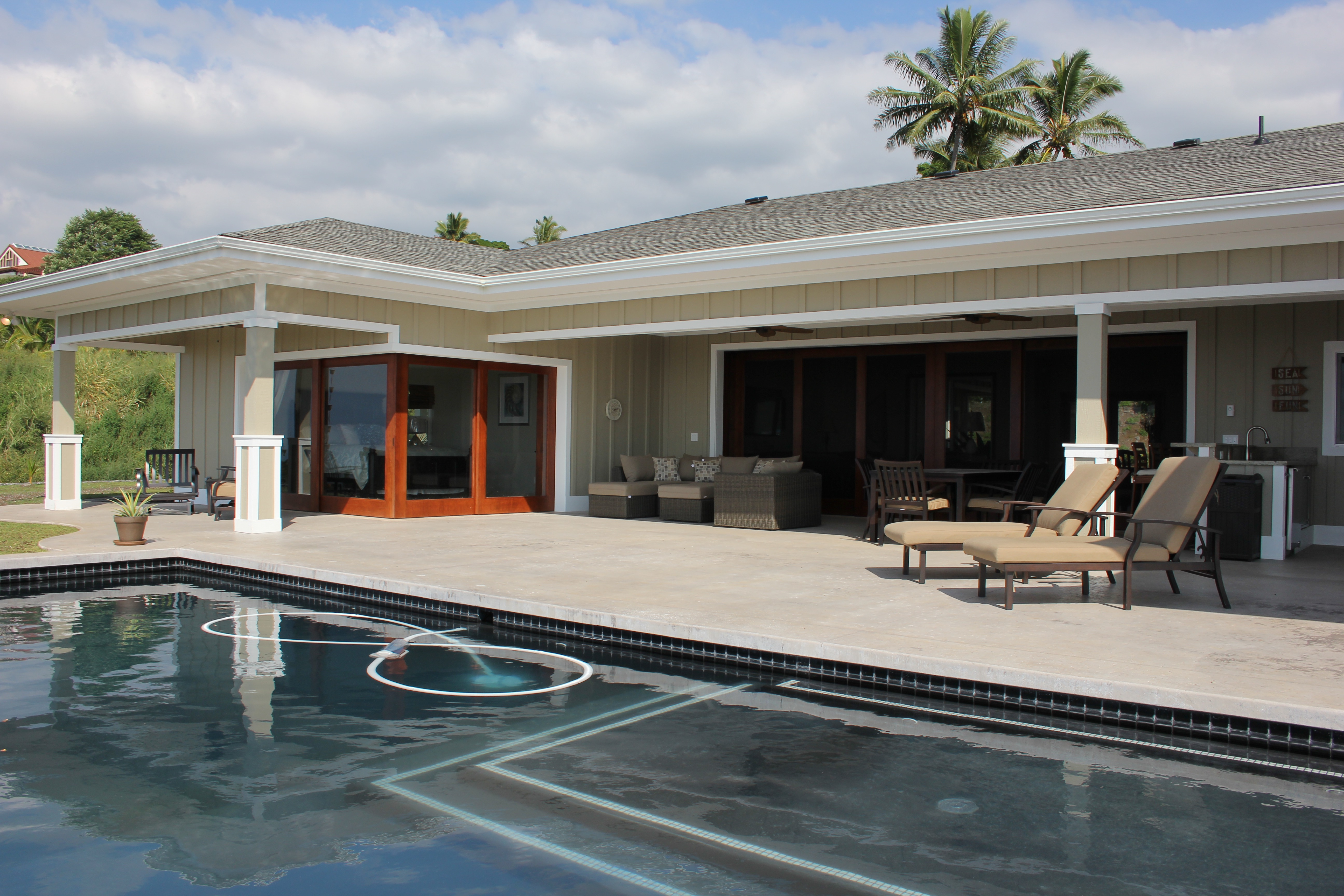 Pool and sundeck area.