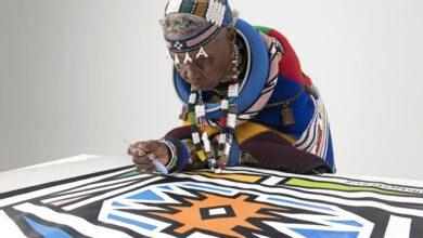 Photo of Levels! Dr Esther Mahlangu Works Her Magic On A Rolls-Royce