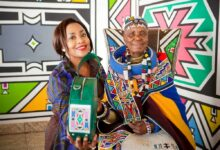 Photo of Dr Esther Mahlangu Collaborates With Carol Bouwer To Create Luxury Bags