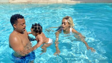Photo of Watch! Itumeleng Khune and Tino Chinyani Take Their Babies For Swimming Lessons