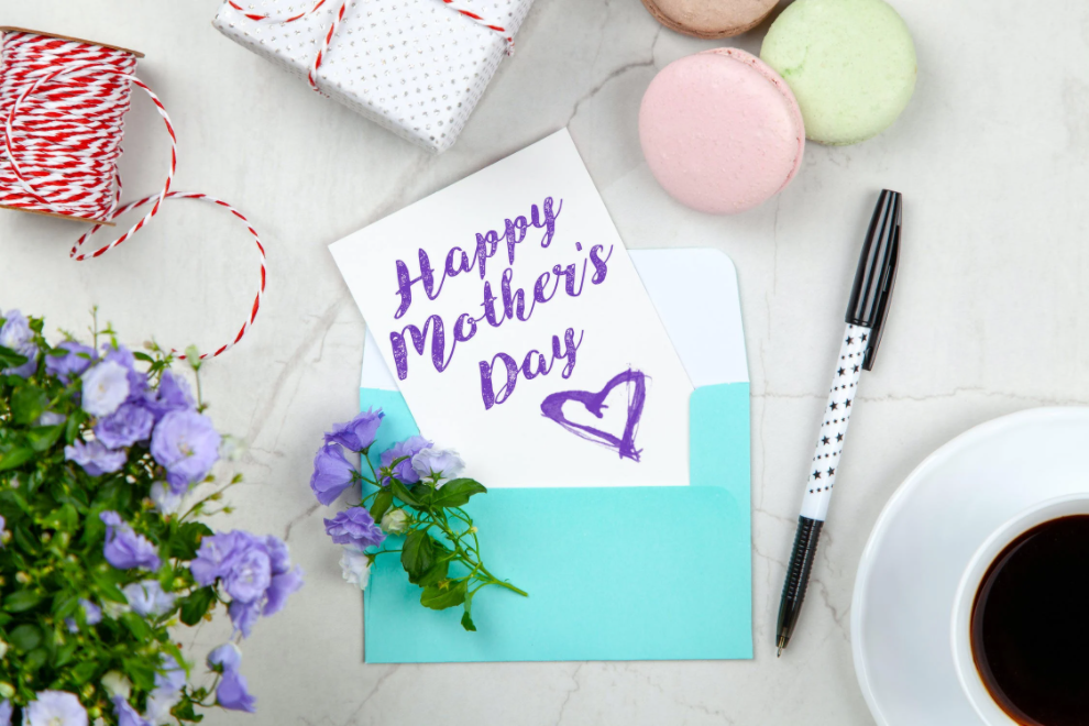 Best Mother's Day Gift Ideas 2021: Beauty & Makeup