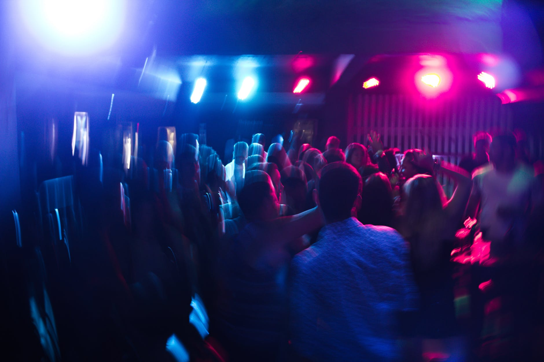 Gay Night Clubs Aren't For Straight Girls, They're For Panic Attacks Induced By Social Anxiety
