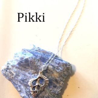 triton necklace on kyanite