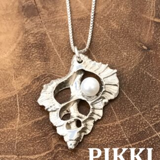 SS Triton W Pearl Necklace cropped