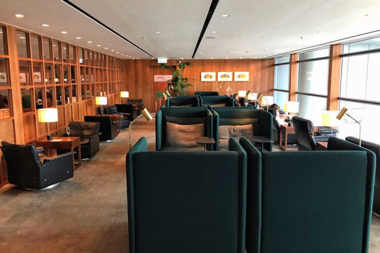 CATHAY PACIFIC'S BUSINESS CLASS EXPERIENCE TO THE MALDIVES