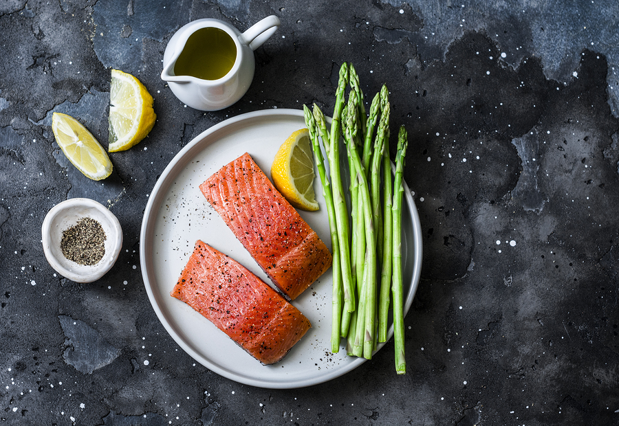 Spring Salmon with Asparagus