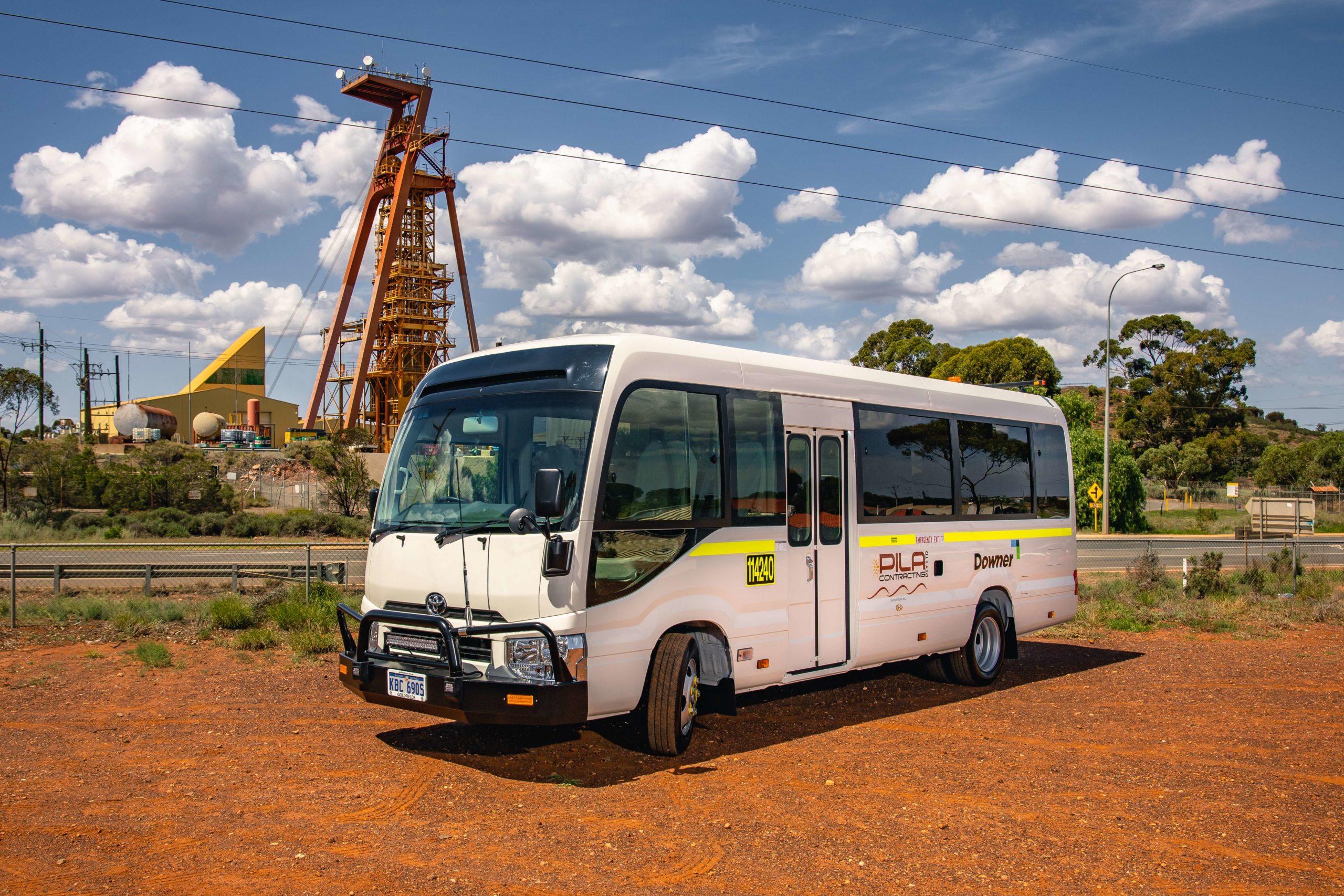 Pila Contracting Bus