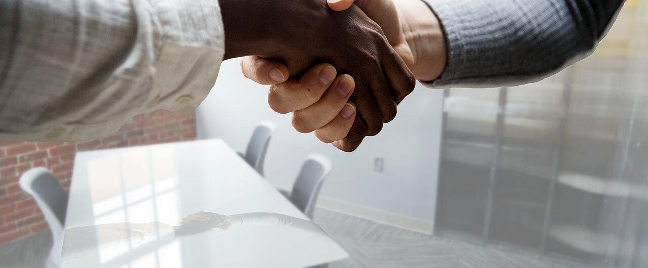 HR Certification, HR, shaking hands