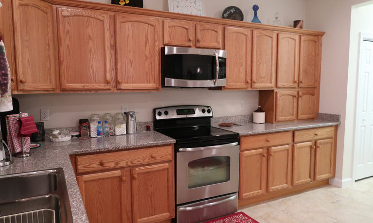 210 Hawthorn Loop_kitchen