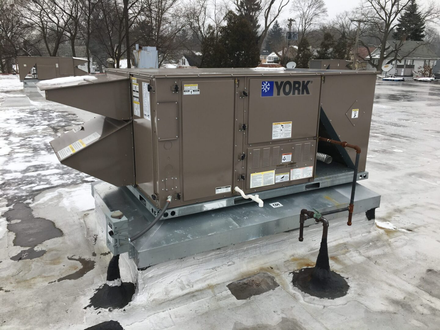 York MagnaDRY Reheat Series Packaged Heating & Cooling Rooftop Unit