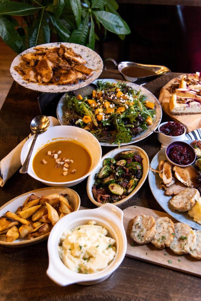 thanksgiving-dinner-take-home-family-meal