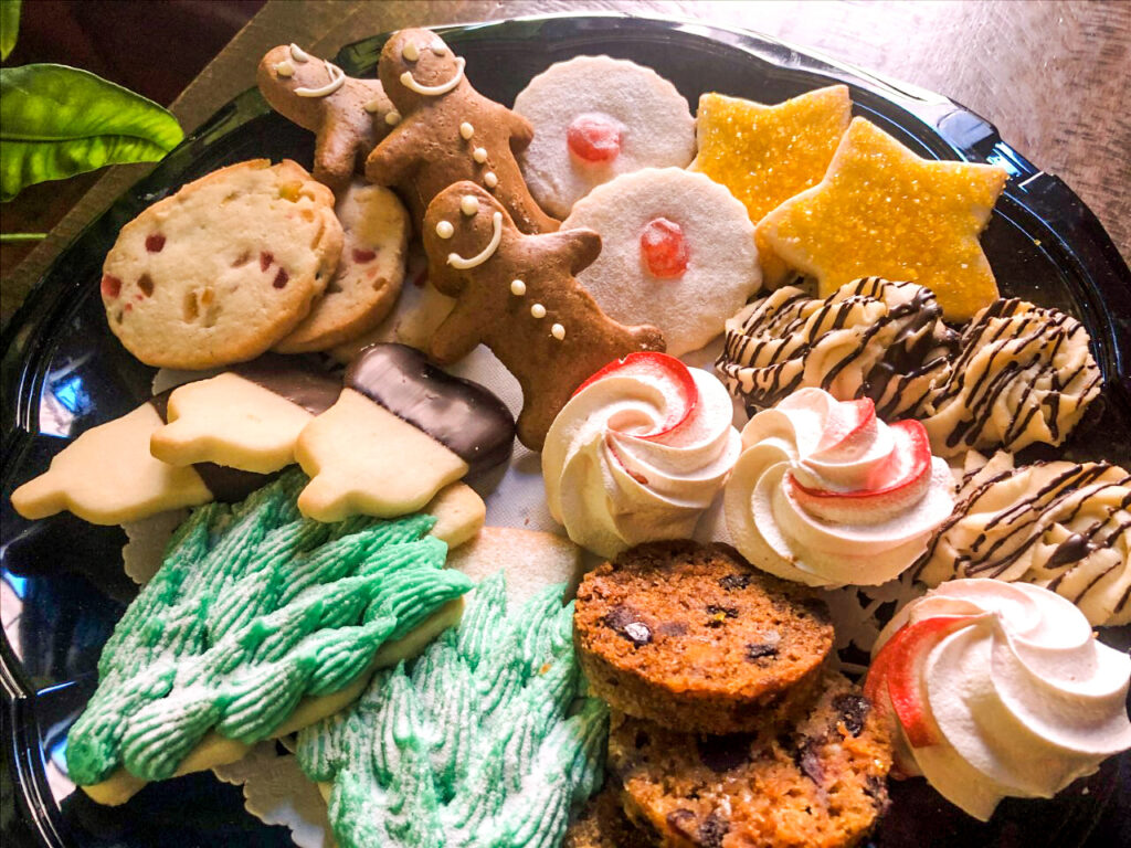 holiday-cookie-platter
